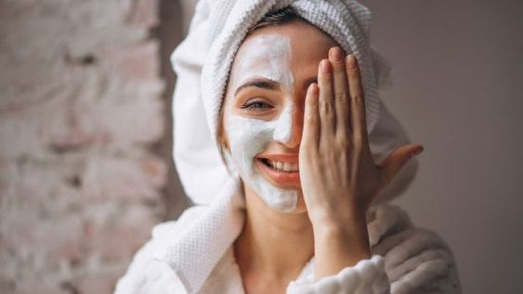 Step-by-Step Guide to Clean Face at Home